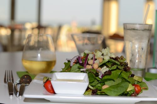 Spinach salad, Whaler Lounge, Photo by Donna Barnett
